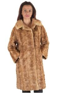 Κομψό γυναικείο παλτό από βιζόν