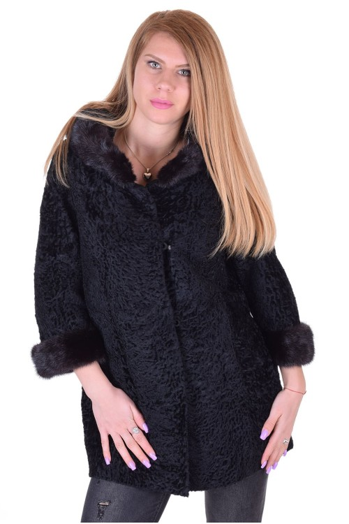 Υπέροχο γυναικείο παλτό από φυσική γούνα 78.00 EUR