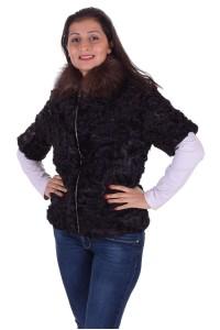 Μαύρο γυναικείο παλτό από αστρακάν