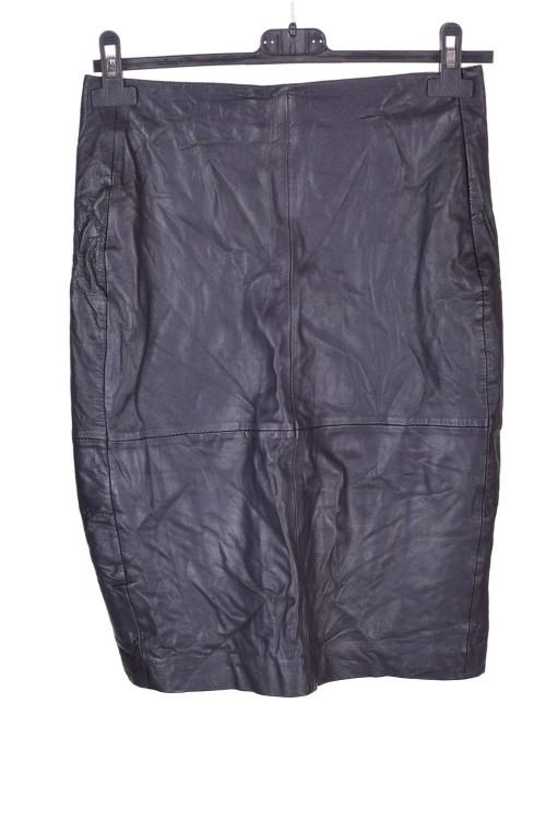 Μαύρη γυναικεία δερμάτινη φούστα 8.00 EUR