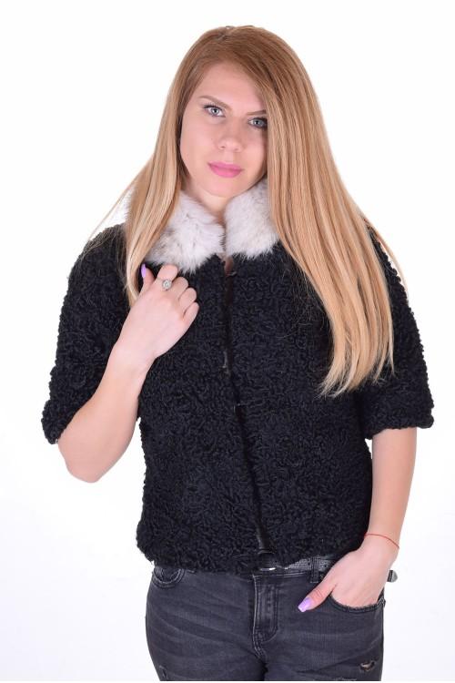 Κομψό γυναικείο παλτό από αστρακάν 73.00 EUR