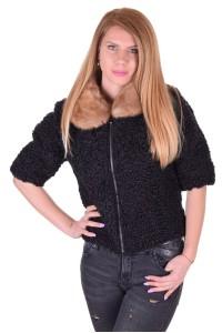 Σύγχρονο γυναικείο παλτό από αστρακάν