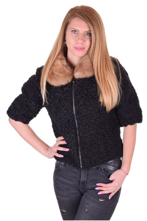 Σύγχρονο γυναικείο παλτό από αστρακάν 73.00 EUR