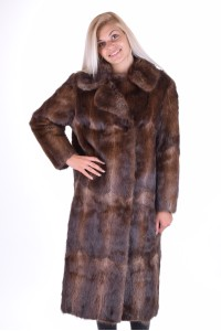 Στιλάτο παλτό από φυσική γούνα