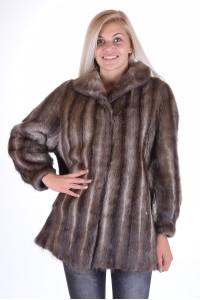 Λεπτό γυναικείο παλτό από φυσική γούνα