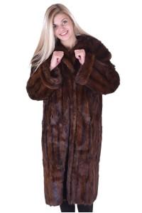 Ωραίο γυναικείο παλτό από μοσχοπόντικα