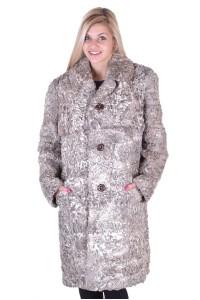 Της μόδας γυναικείο παλτό από φυσική γούνα