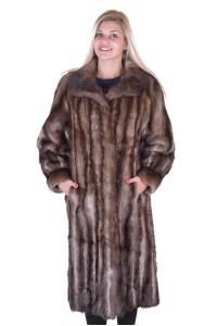 Στιλάτο γυναικείο παλτό από μοσχοπόντικα