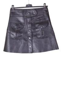 Μαύρη δερμάτινη φούστα από δερματίνη