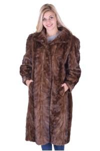 Μοντέρνο γυναικείο παλτό από βιζόν