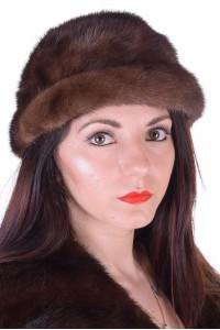 Σφιχτό γυναικείο καπέλο από βιζόν