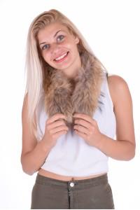 Ομορφος γυναικείος περιλαίμιο από αλεπού
